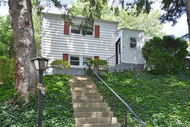 3 BR,  1.00 BTH  Split level style home in Yonkers