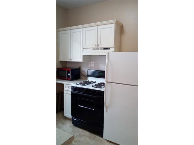 2 BR,  1.00 BTH Multi-family style home in Sunset Park
