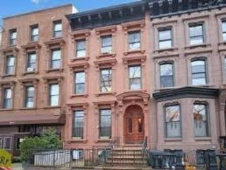2 BR,  1.50 BTH Multi-family style home in Prospect Heights