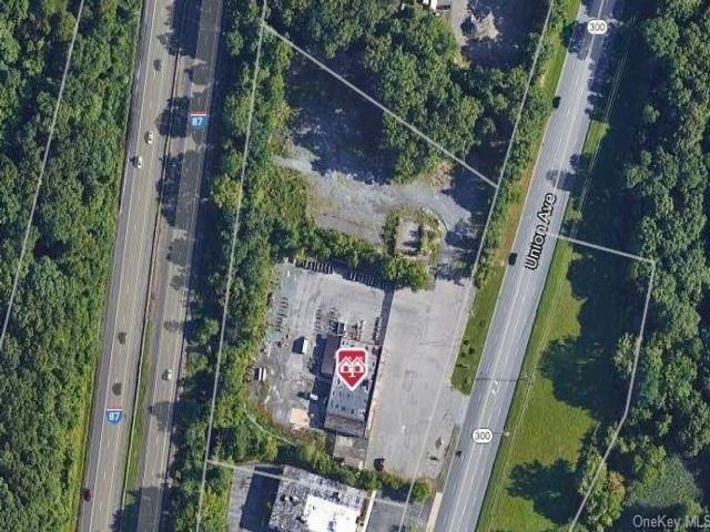 Studio,  0.00 BTH Commercial style home in New Windsor