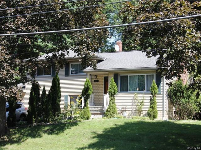 5 BR,  2.00 BTH Single family style home in Ramapo