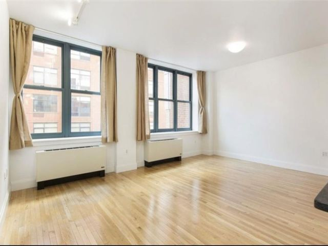 Studio,  1.00 BTH Condominium style home in Brooklyn Heights