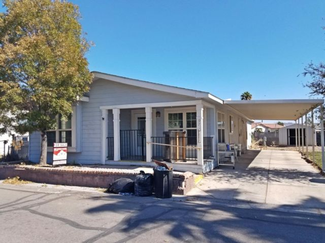 4 BR,  2.00 BTH  Mobile home style home in Las Vegas