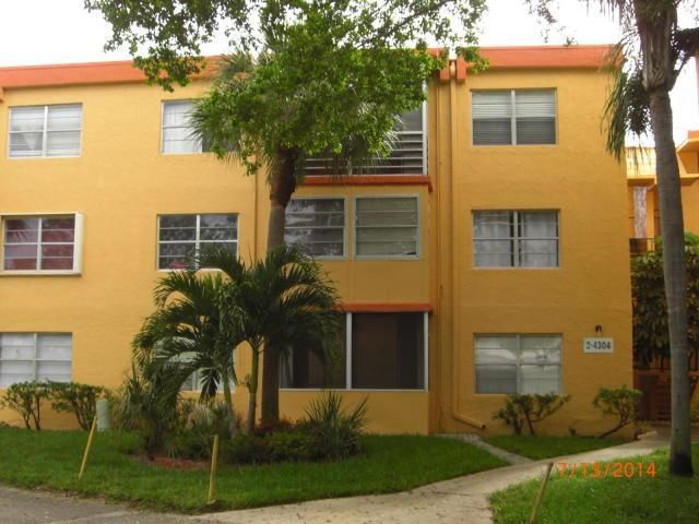 2 BR,  2.00 BTH  style home in Deerfield Beach