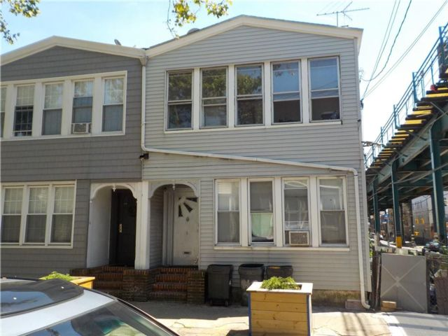 7 BR,  0.00 BTH Multi-family style home in East New York