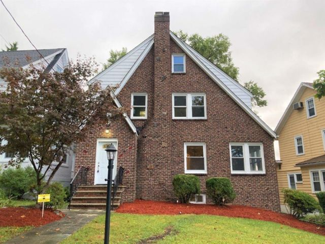 4 BR,  2.50 BTH  Tudor style home in Maplewood