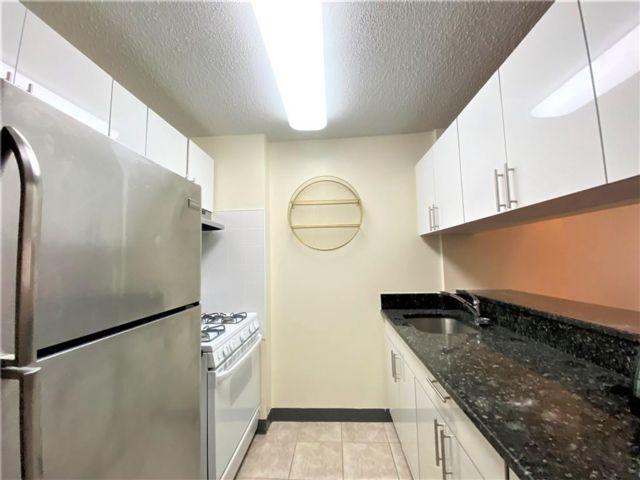 1 BR,  1.00 BTH Condominium style home in Tribeca