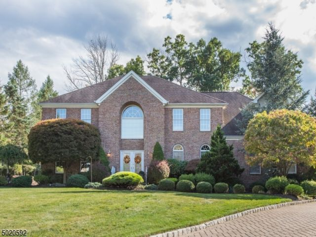 5 BR,  3.00 BTH Colonial style home in Montville