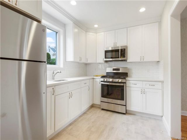[Yonkers Real Estate, listing number 6970502]