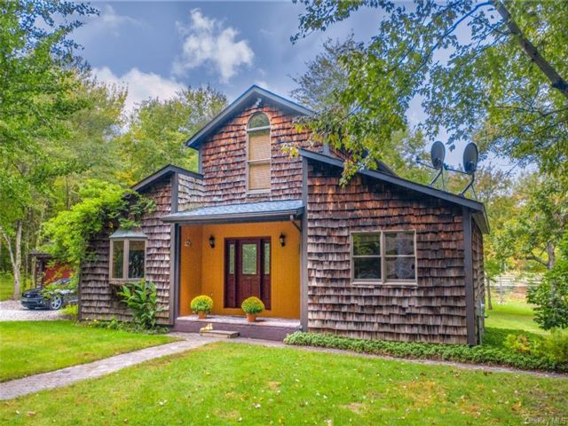 3 BR,  3.00 BTH  Arts&crafts style home in Greenville