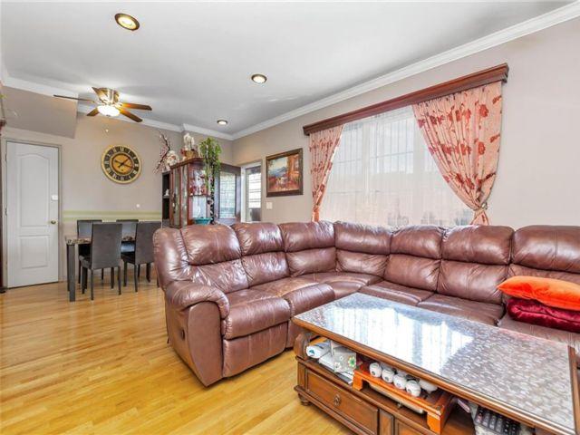 2 BR,  2.00 BTH Condominium style home in Gravesend