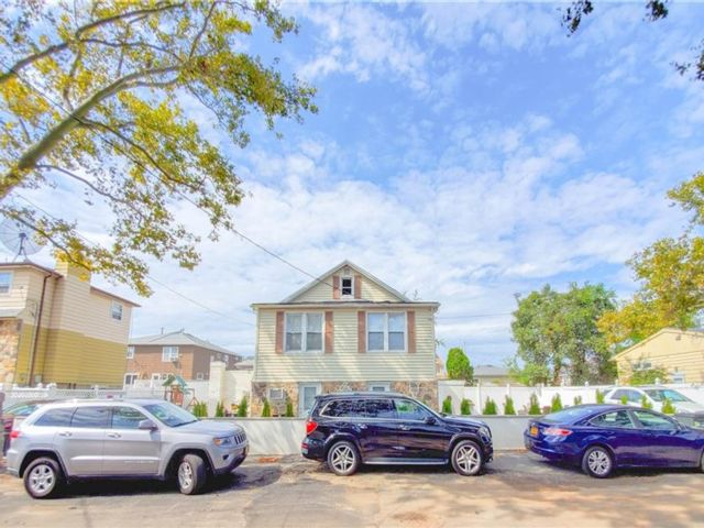 4 BR,  2.00 BTH  Multi-family style home in New Dorp