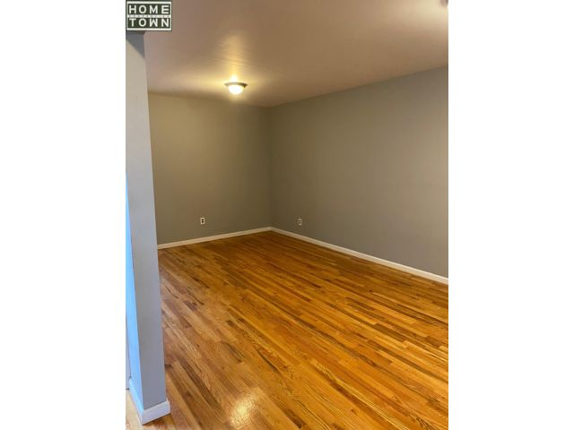 3 BR,  1.00 BTH  Apartment style home in Bay Ridge