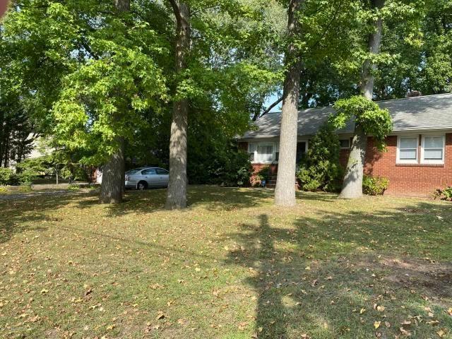 Lot <b>Size:</b> 20475 Land style home in Eltingville