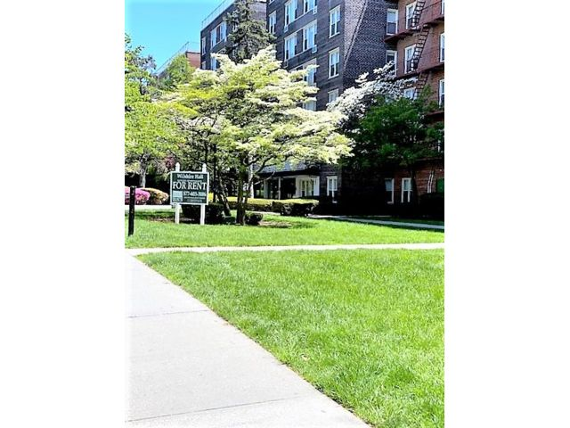 [Jamaica Estates Real Estate, listing number 6970684]