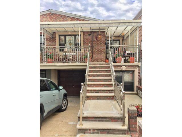 3 BR,  2.00 BTH  style home in Brooklyn