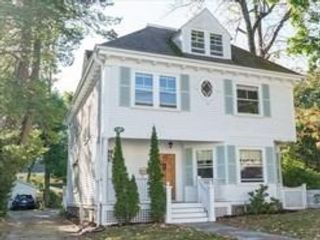 5 BR,  2.00 BTH Colonial style home in Dedham