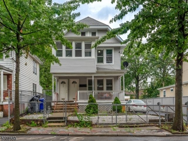 2 BR,  1.00 BTH House style home in Elizabeth