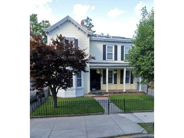 5 BR,  3.00 BTH  Single family style home in Bay Ridge