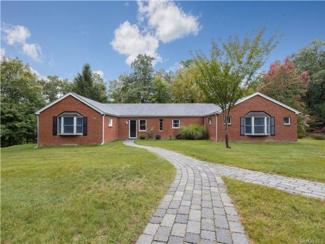 3 BR,  2.00 BTH Ranch style home in Stony Point