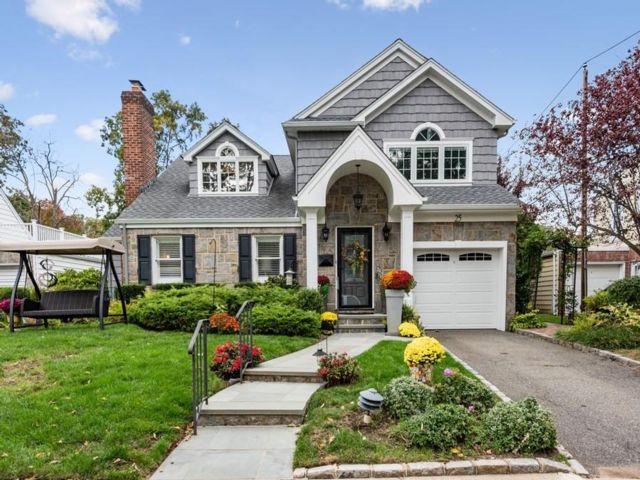 [New Hyde Park Real Estate, listing number 6970883]