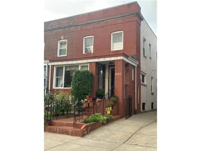 3 BR,  1.50 BTH  Single family style home in Flatbush