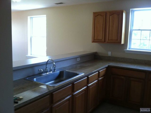 1 BR,  1.00 BTH  Apartment style home in Hackensack
