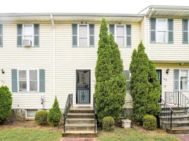 3 BR,  2.00 BTH Townhouse style home in Mount Vernon