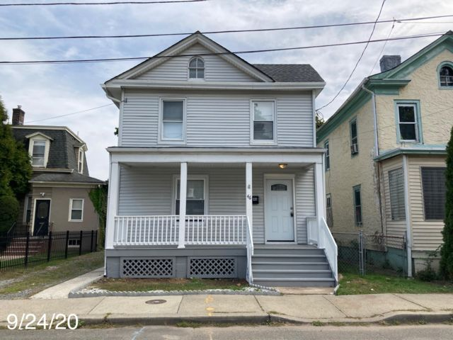 3 BR,  1.00 BTH  Colonial style home in North Plainfield
