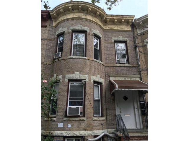 6 BR,  3.00 BTH Multi-family style home in East New York