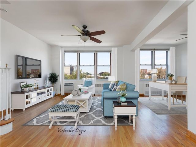 2 BR,  1.50 BTH Co-op style home in Kensington