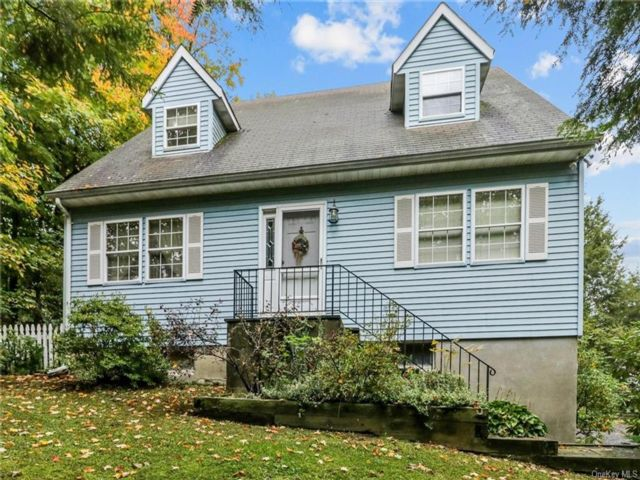 3 BR,  2.00 BTH Cape style home in Cornwall