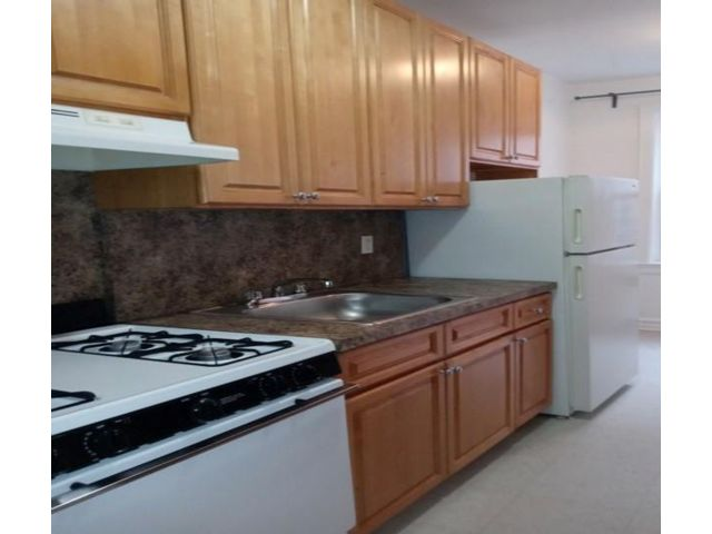 1 BR,  1.00 BTH  style home in Forest Hills