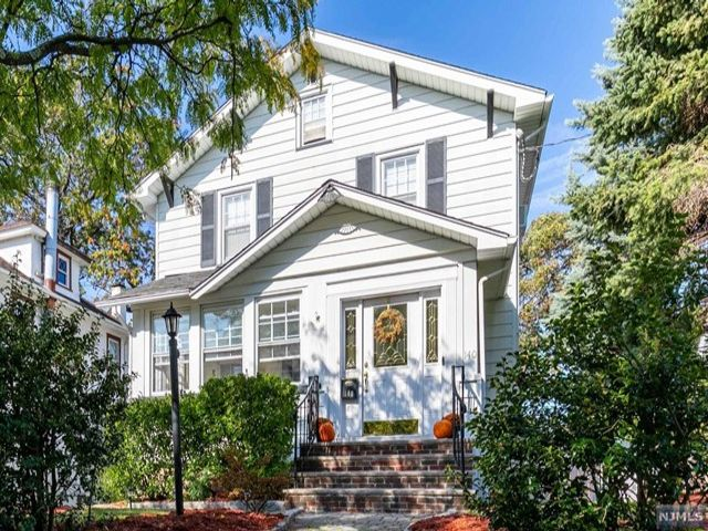 2 BR,  1.50 BTH  Colonial style home in Rutherford