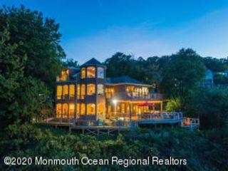 4 BR,  4.50 BTH Custom style home in Atlantic Highlands