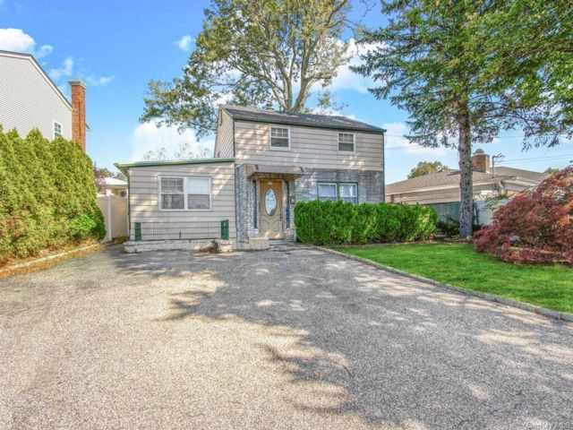 2 BR,  1.00 BTH Colonial style home in Yonkers