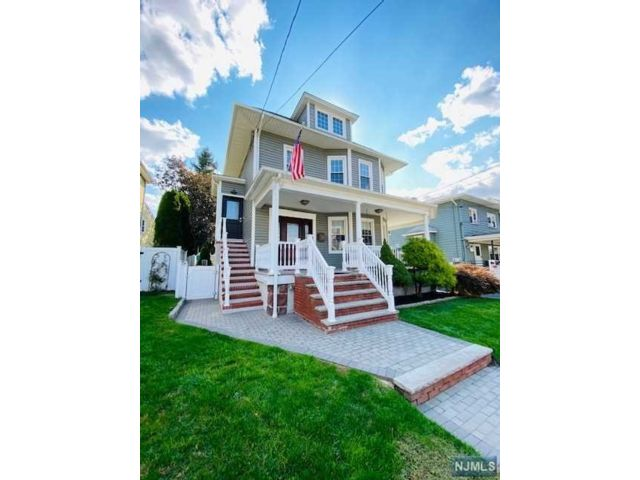 1 BR,  2.00 BTH 2 family style home in Carlstadt