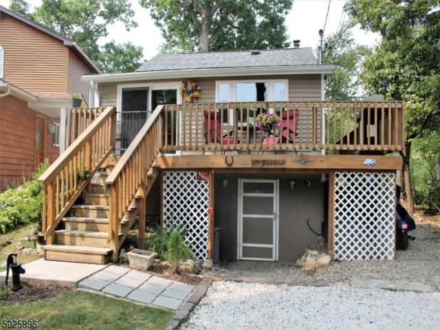 2 BR,  1.00 BTH Cottage style home in Oak Ridge