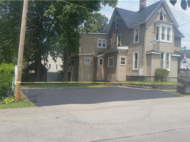 4 BR,  4.00 BTH 2 story style home in Port Jervis
