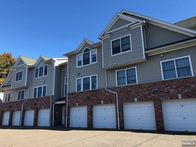 2 BR,  2.00 BTH Apartment style home in Palisades Park