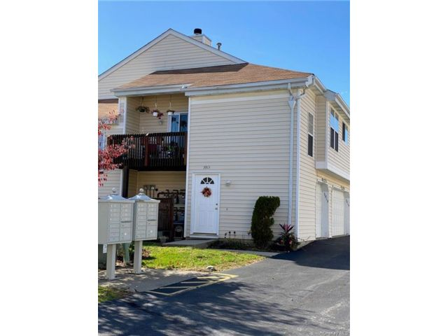 2 BR,  1.00 BTH  Townhouse style home in Chester