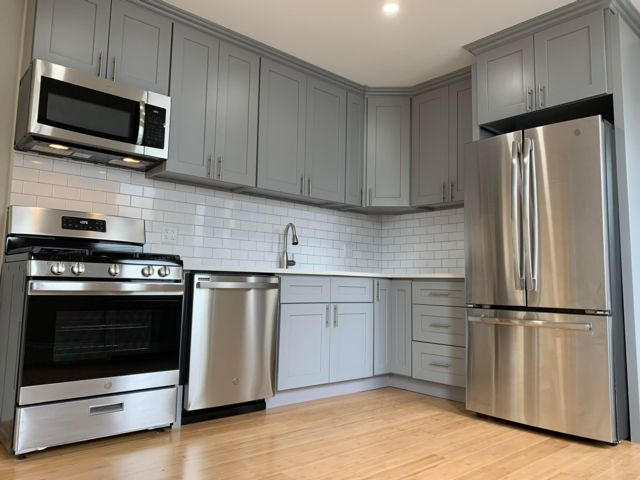 4 BR,  1.50 BTH Apartment style home in Bronx