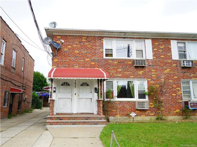 6 BR,  4.00 BTH  Other style home in Woodhaven