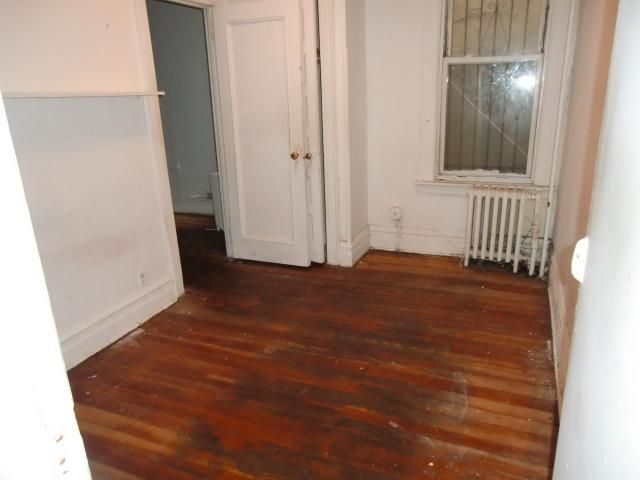 3 BR,  1.00 BTH  style home in Botanical