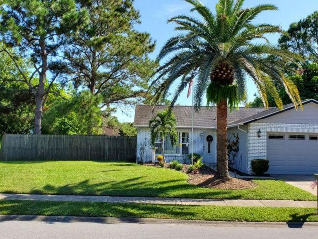2 BR,  2.00 BTH  style home in New Port Richey