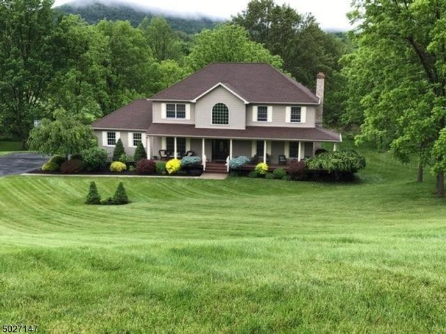 [Vernon Real Estate, listing number 6972452]