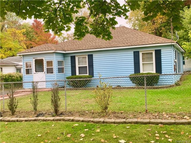 3 BR,  1.00 BTH  Ranch style home in Wallkill