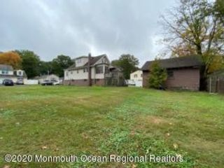 3 BR,  2.50 BTH Cape style home in Port Monmouth