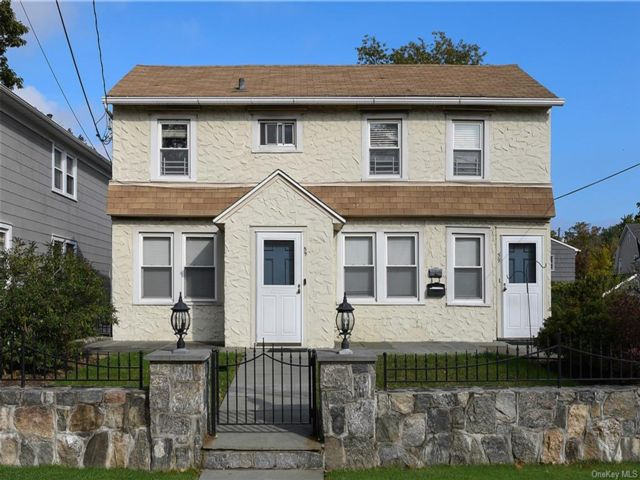 5 BR,  2.00 BTH  Colonial style home in New Rochelle