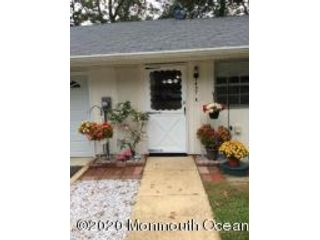 2 BR,  1.00 BTH Attached style home in Lakewood
